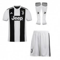Juventus home soccer full kit